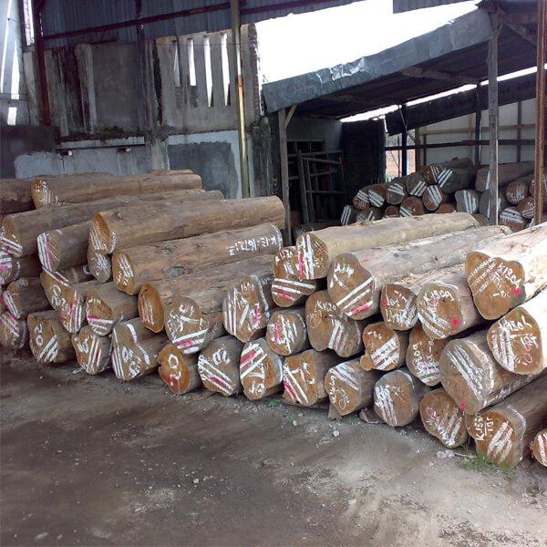 best wood for outdoor furniture, teak
