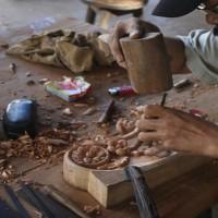 handmade furnitures carving skills