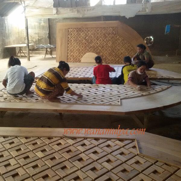 mosque wooden doors sanding process